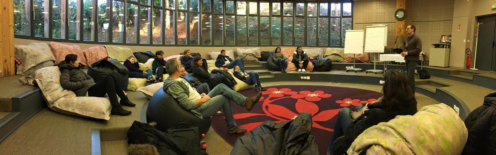 conference salle ronde-sans_plafond
